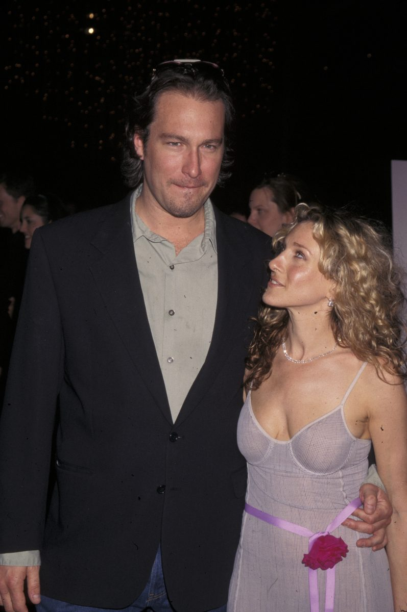 John Corbett and Sarah Jessica Parker attend the 'Sex and the City' season 3 premiere