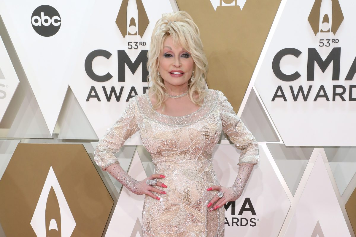 Dolly Parton at the 53rd Annual CMA Awards
