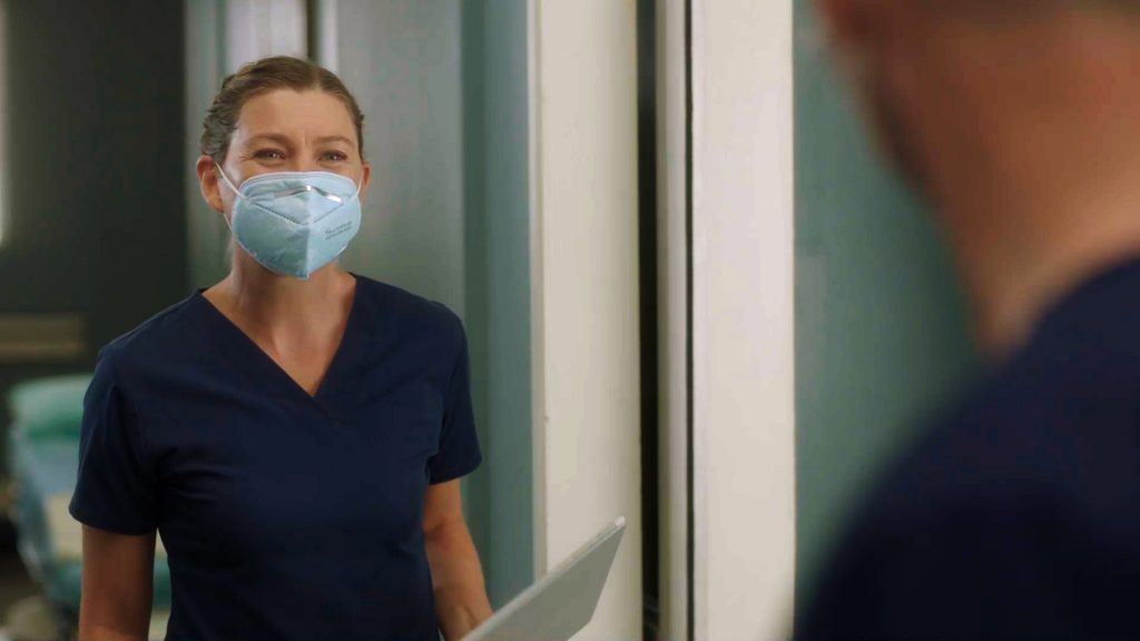 Ellen Pompeo as Meredith Grey on the 'Grey's Anatomy' Season 17 premiere in 2020 wearing a mask