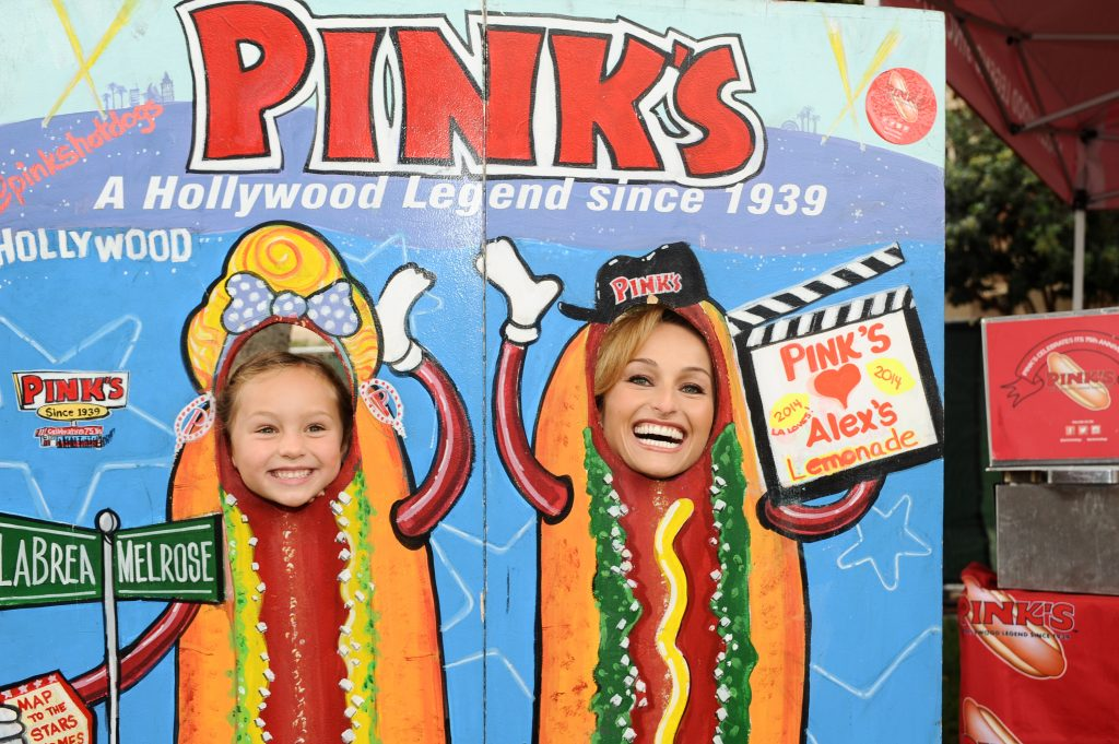 Giada De Laurentiis (right) and her daughter Jade having fun at an L.A. Loves Alex's Lemonade event in 2014