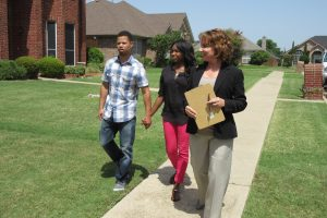 'House Hunters': Do the Realtors On the Show Get Paid?