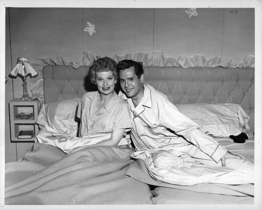 Lucille Ball and Desi Arnaz in bed in pilot episode of television series 'I Love Lucy', 1951