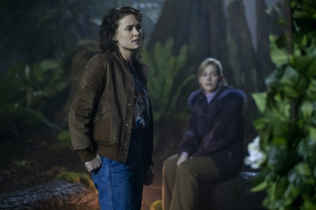 AMELIA EVE as JAMIE and VICTORIA PEDRETTI as DANI in THE HUNT OF BLY MANOR