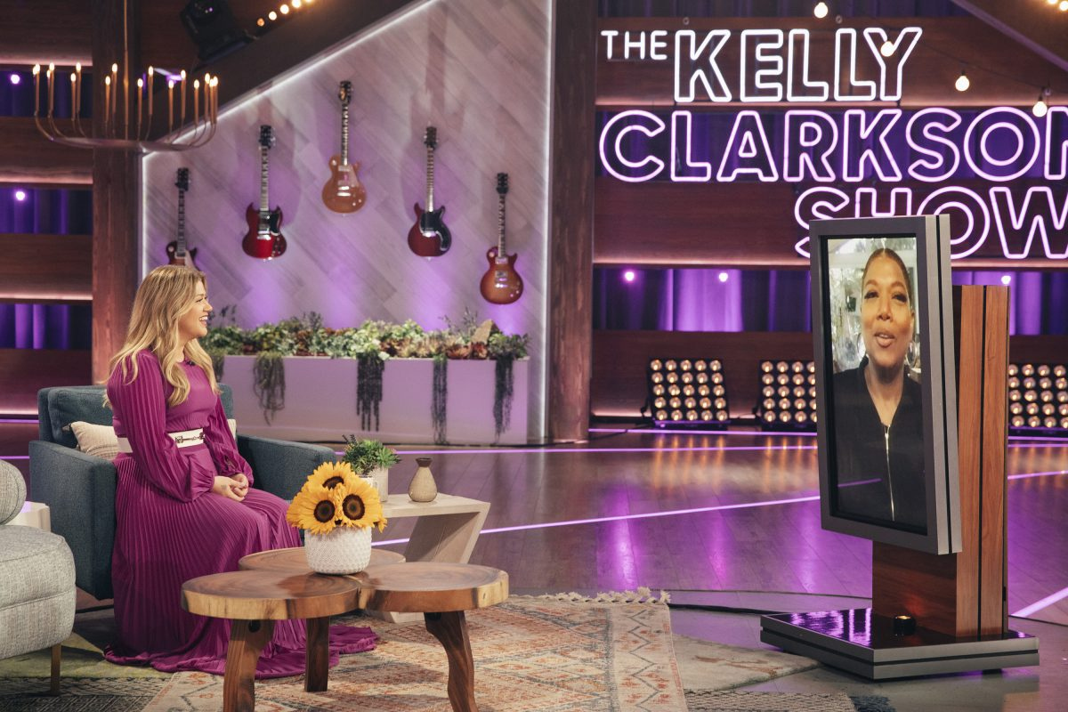 Kelly Clarkson and Queen Latifah on 'The Kelly Clarkson Show'