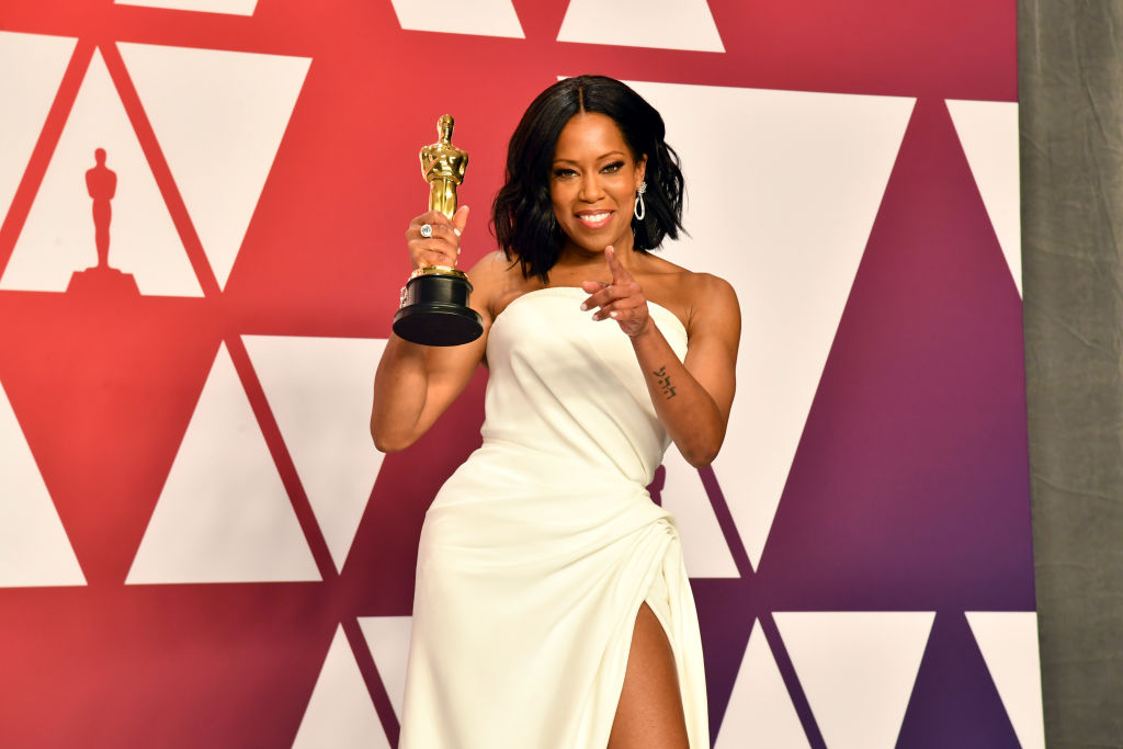 Regina King with her Oscar
