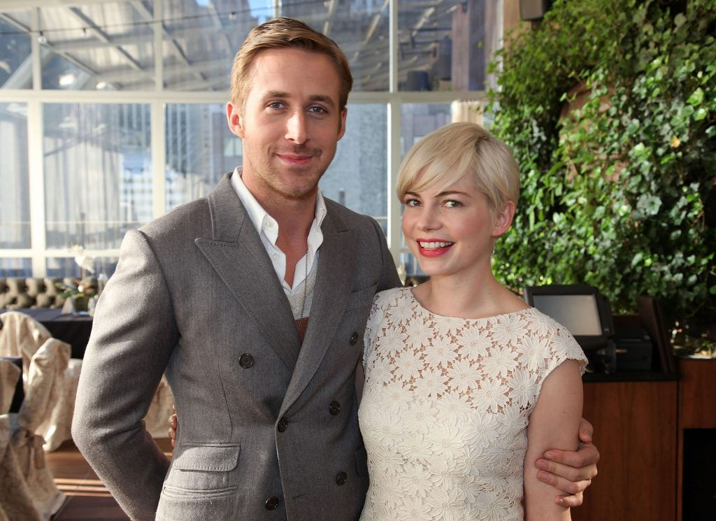 (L-R) Ryan Gosling and Michelle Williams smiling