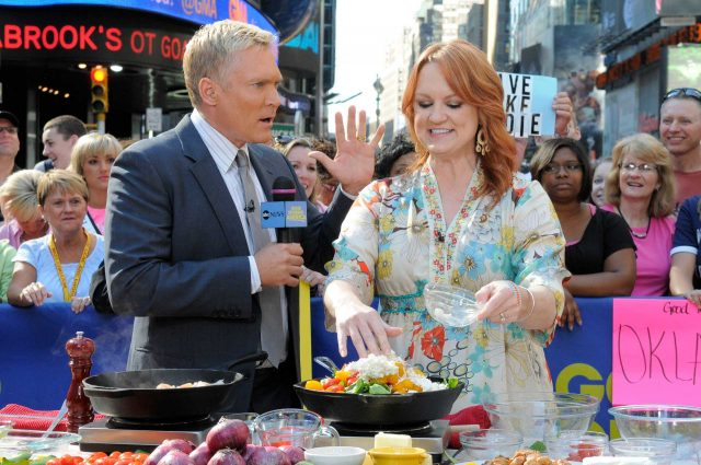 'The Pioneer Woman' Ree Drummond's Thanksgiving Traditions