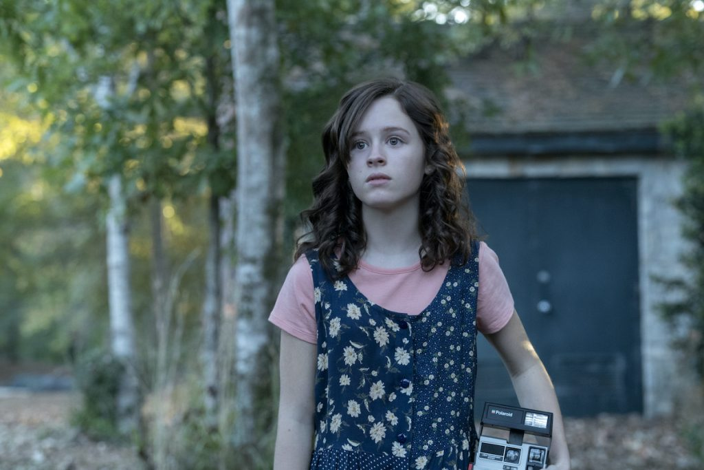 Lulu Wilson as Shirley Crain in 'The Haunting of Hill House'