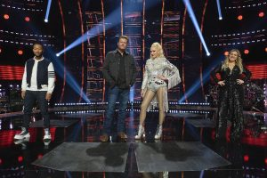 'The Voice': Kelly Clarkson Says Gwen Stefani and Blake Shelton Hugging and Fighting Gives 'Normalcy'