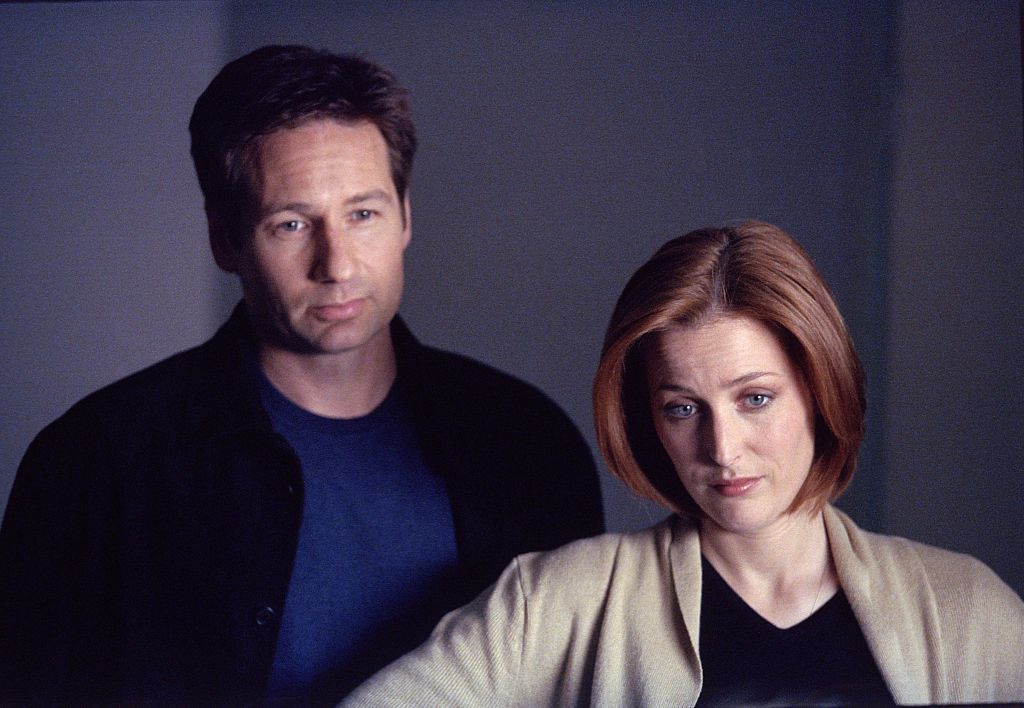 David Duchovny and Gillian Anderson as Agent Mulder and Agent Scully on The X-Files
