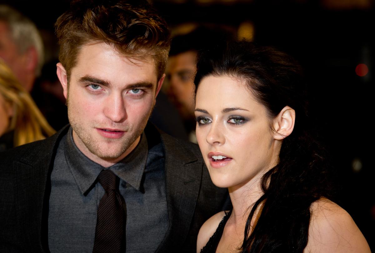 Robert Pattinson and Kristen Stewart attend the UK premiere of The Twilight Saga: Breaking Dawn Part 1 at Westfield Stratford City on November 16, 2011 in London, England