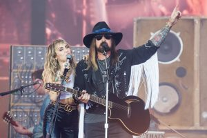 Did Miley Cyrus Respond to Billy Ray Cyrus' Post About Melania Trump?