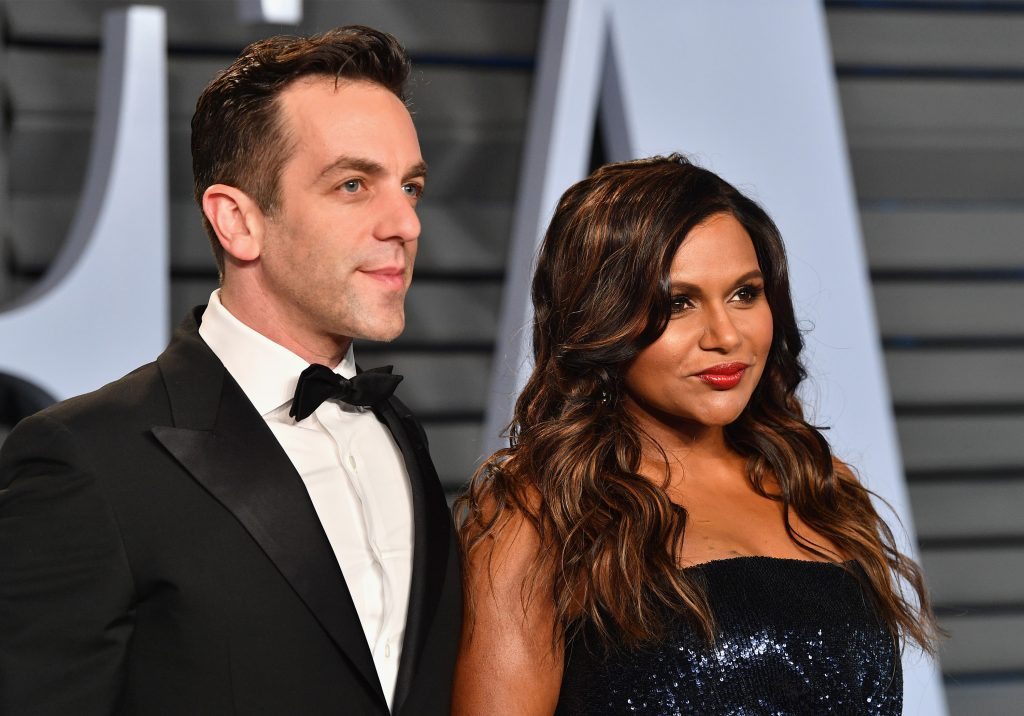 BJ Novak (L) and Mindy Kaling attend the 2018 Vanity Fair Oscar Party on March 4, 2018 in Beverly Hills, California.