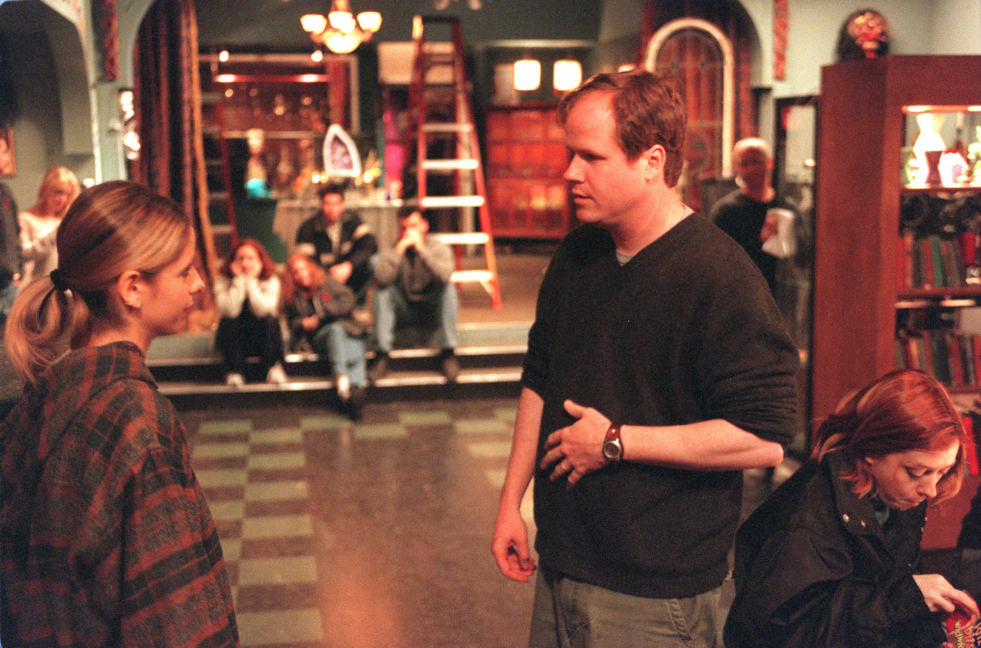 Joss Whedon and Sarah Michelle Gellar on the set of 'Buffy the Vampire Slayer' on May 20, 2001.