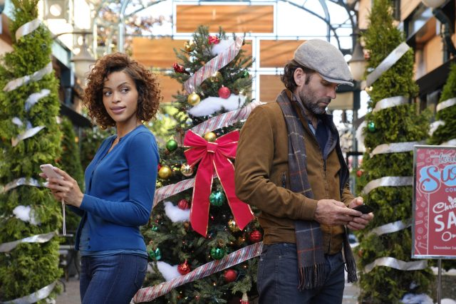 'Miracles of Christmas' Begins Oct. 24 on Hallmark Movies & Mysteries. Here's the Complete Schedule.