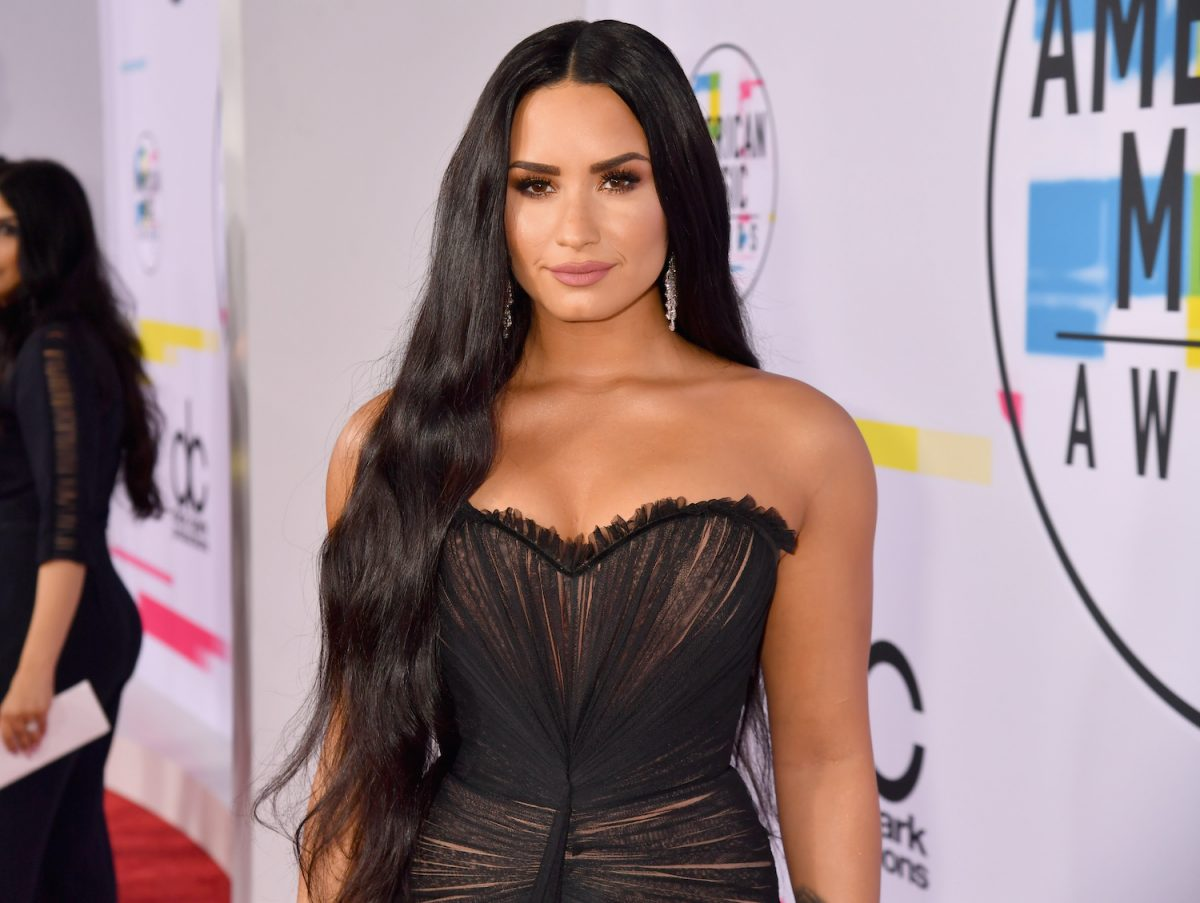 Demi Lovato attends the 2017 American Music Awards