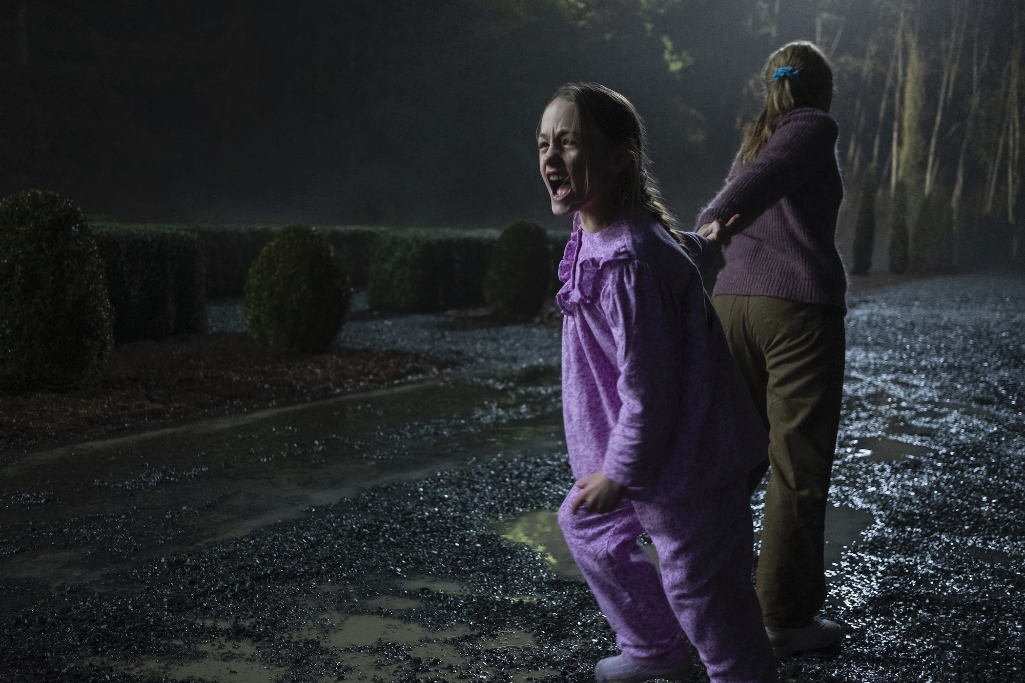 Flora and Dani in 'THE HAUNTING OF BLY MANOR'