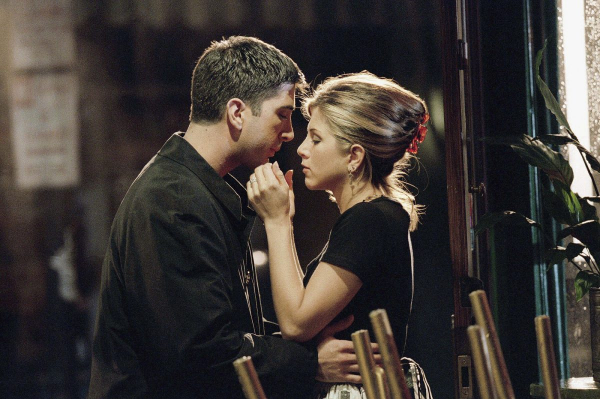 (l-r) David Schwimmer as Ross Geller, Jennifer Aniston as Rachel Green in 'Friends'