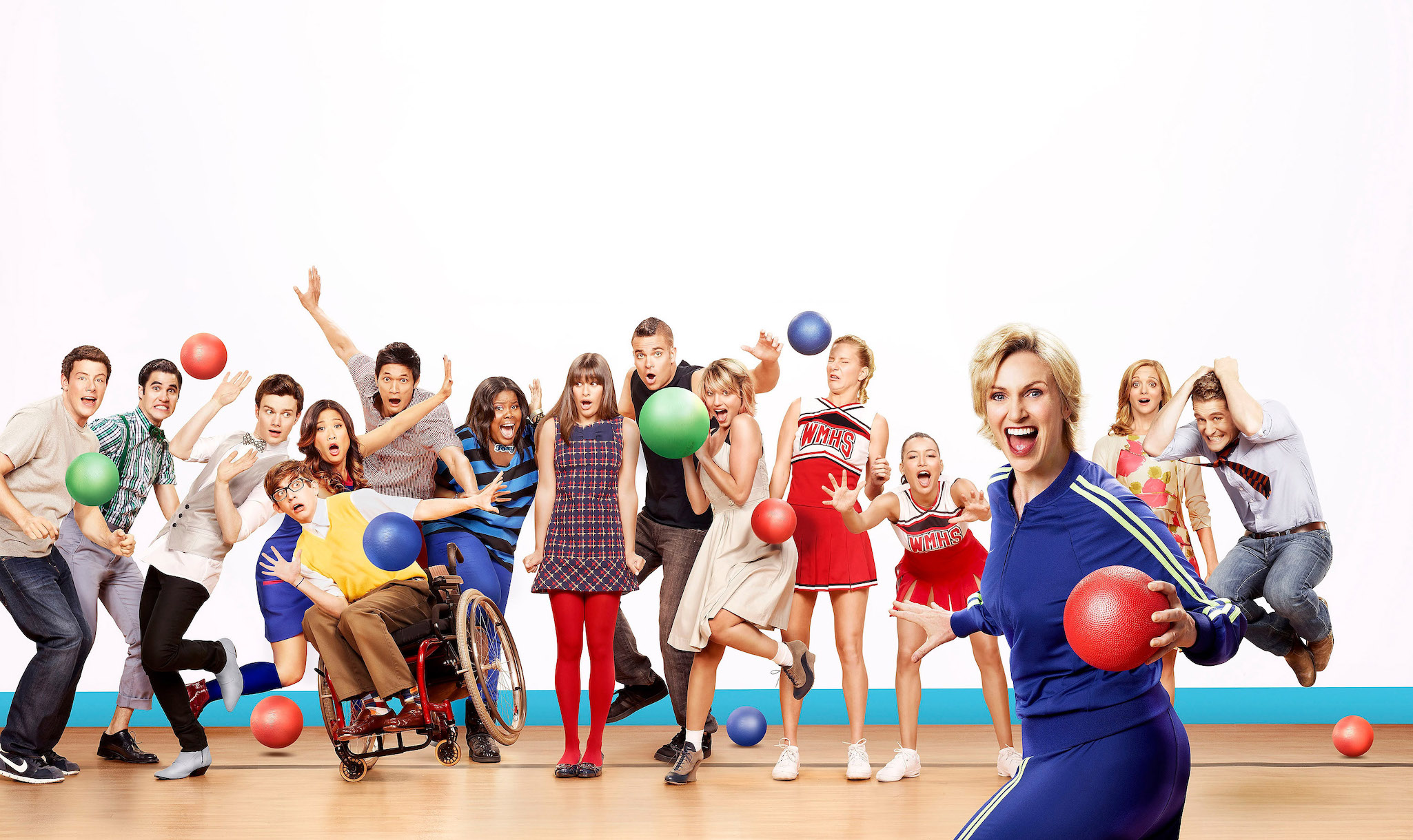 The New Directions of 'Glee' in a Season 3 promo photo.