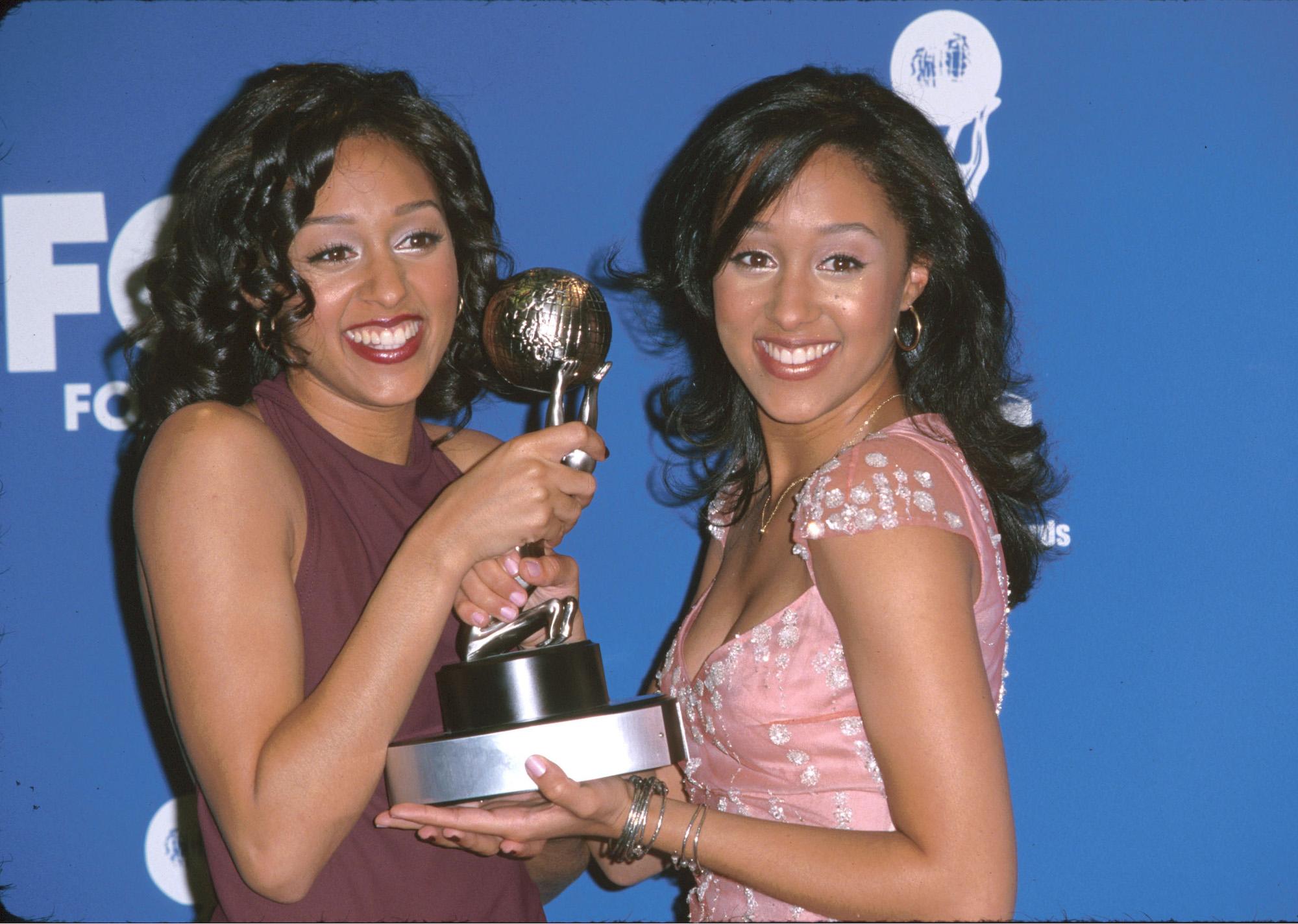 Tia & Tamera Mowry at the 31st Annual NAACP Awards, February 12, 2000.