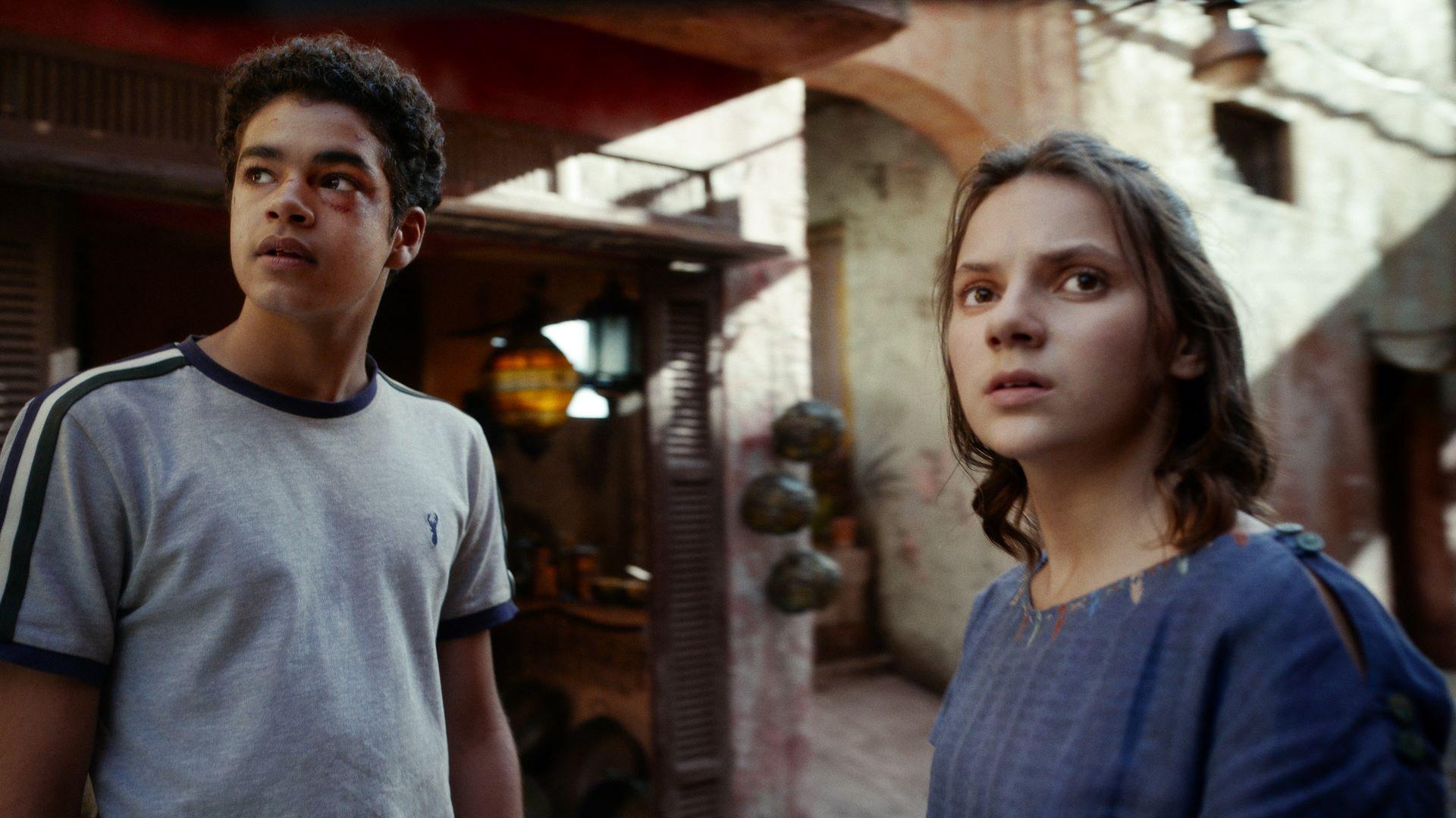 Amir Wilson and Dafne Keen in 'His Dark Materials'