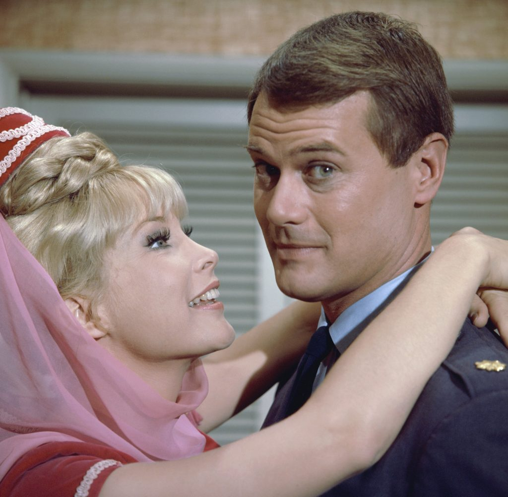 Barbara Eden and Larry Hagman of 'I Dream of Jeannie'