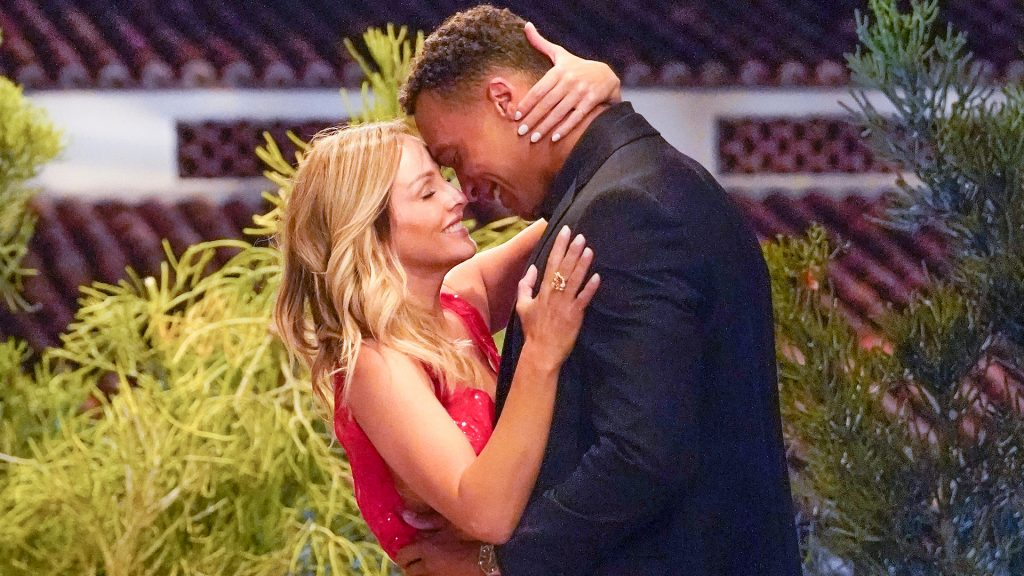 Clare Crawley and Dale Moss dancing together on 'The Bachelorette' Season 16 Episode 4 in 2020