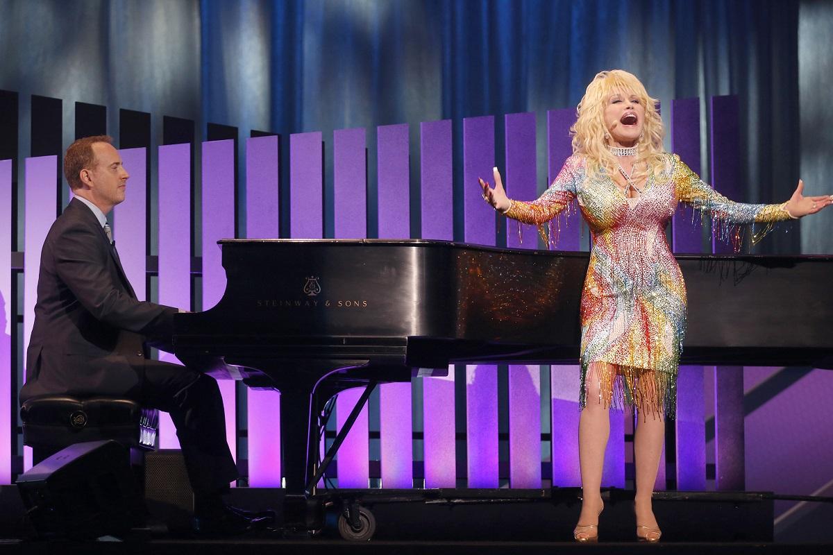 Dolly Parton in 2015
