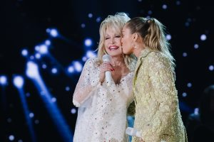 Dolly Parton Responds to the Criticism About Miley Cyrus