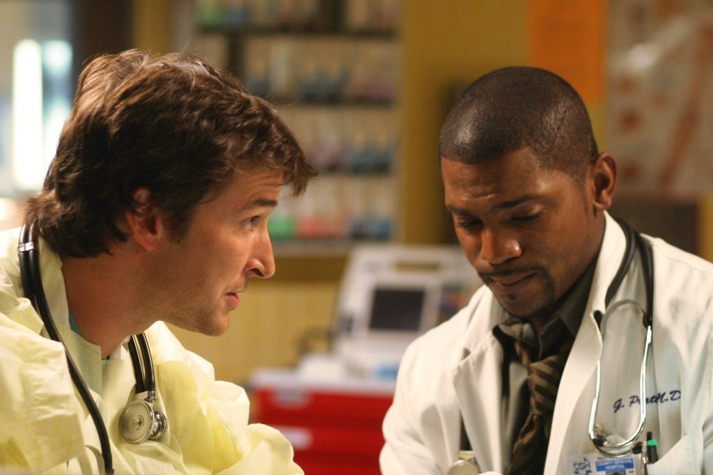 Noah Wyle as Dr. John Carter (left) and Mekhi Phifer as Dr. Gregory Pratt on the TV show 'ER.'