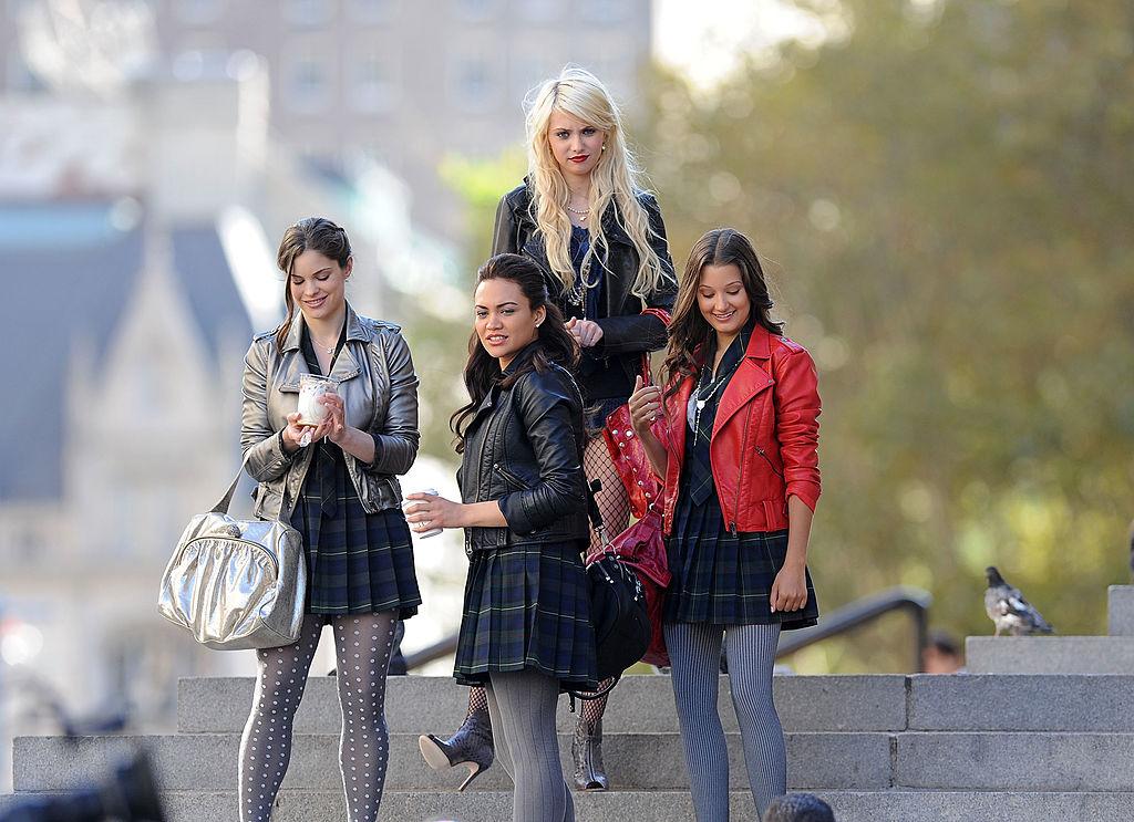 (Back, Center) Taylor Momsen on the Met steps, (Front, L-R) Meg McCrossen, Chanel Maya Banks, and Valentina de Angelis