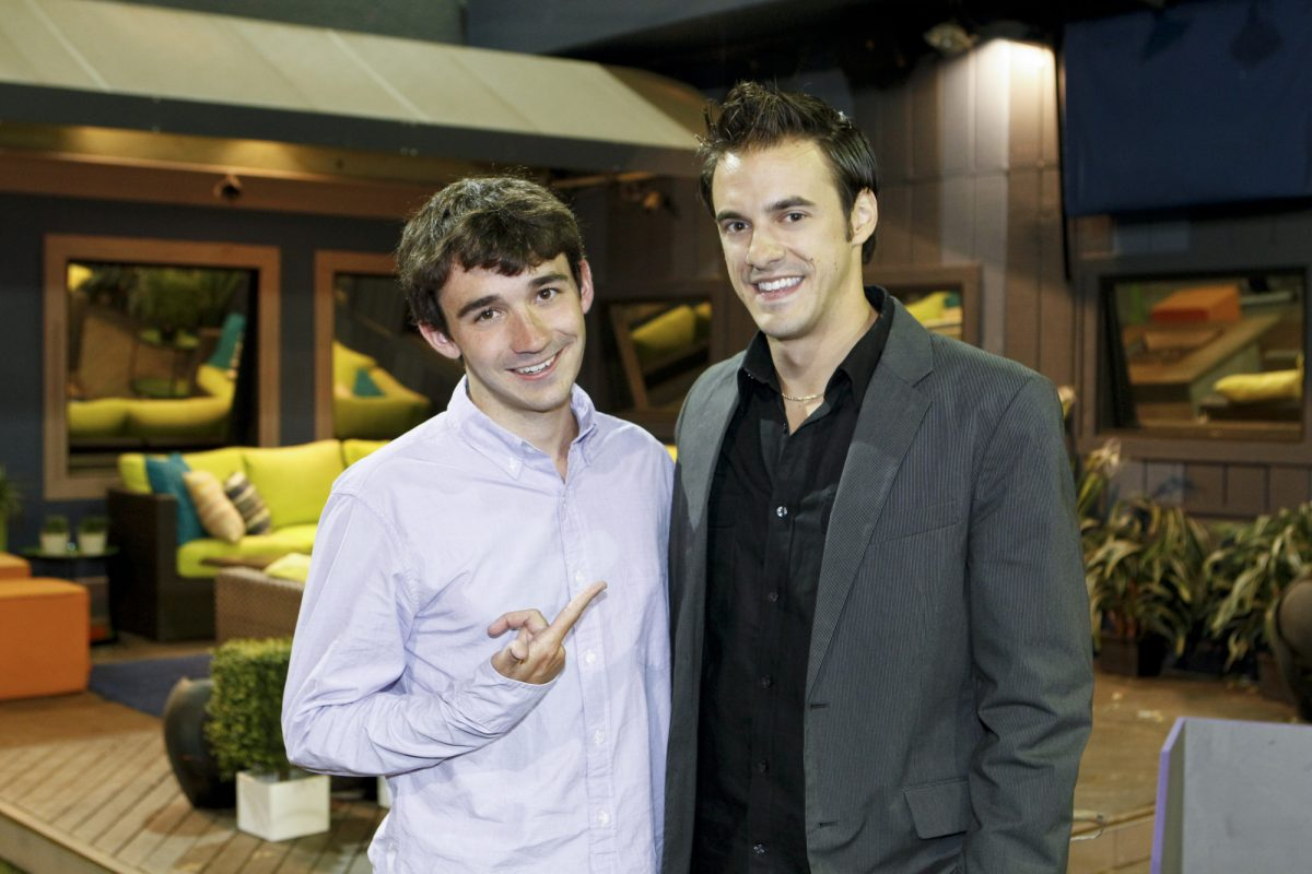After wining the $500,000 grand prize, Ian Terry (left) poses next to runner-up, Dan Gheesling, on the Big Brother Finale