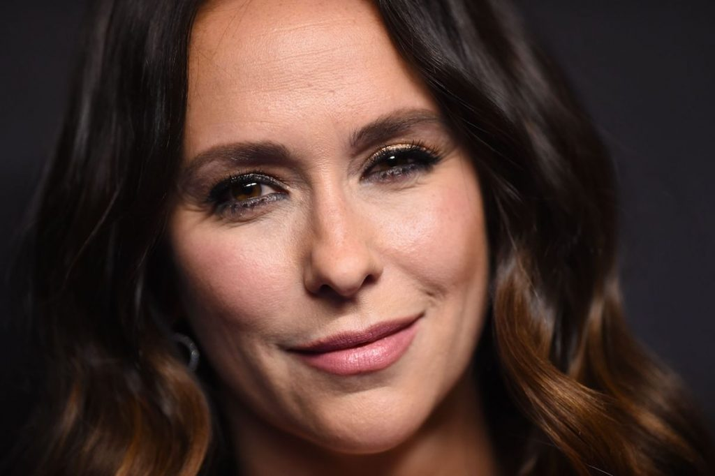"""Jennifer Love Hewitt arrives for the PaleyFest Presentation of Fox's """"9-1-1"""" at the Dolby Theatre"""