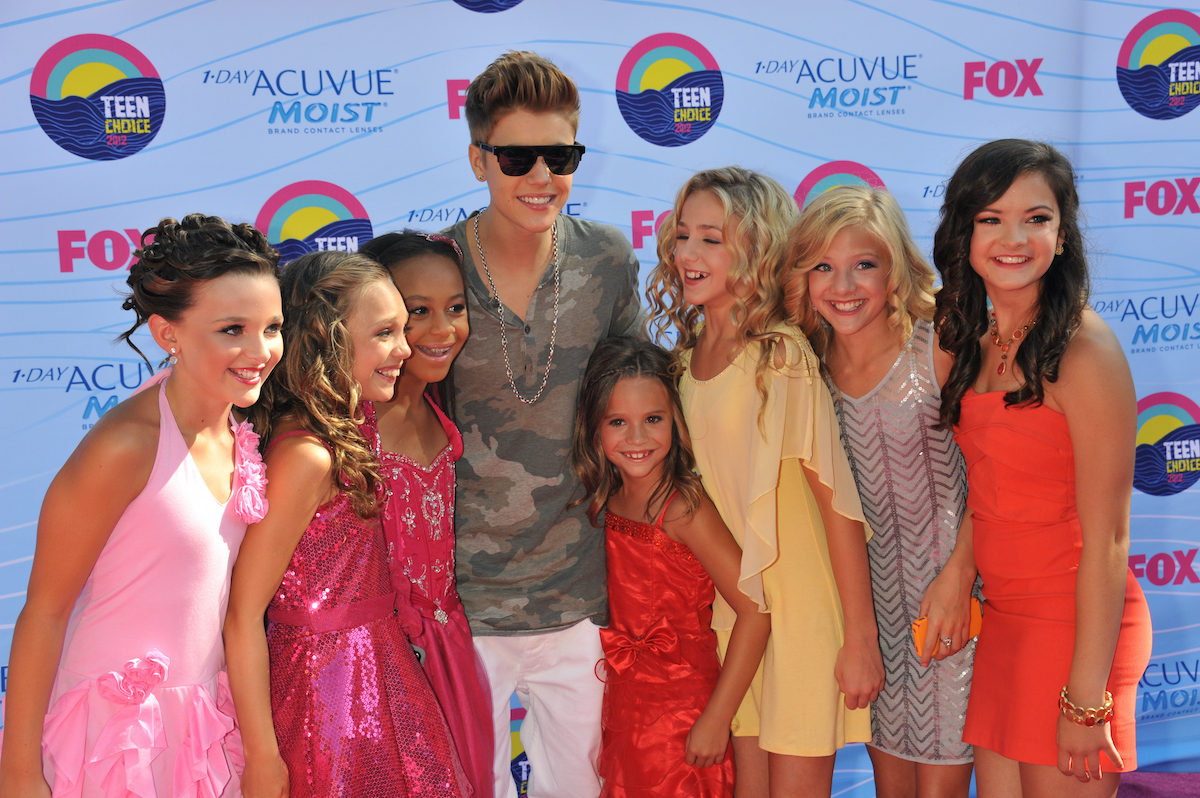 Singer Justin Bieber and the stars of Dance Moms arrive at the 2012 Teen Choice Awards