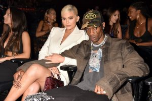 Kylie Jenner's Latest Instagram Photo May Suggest She's Missing Travis Scott