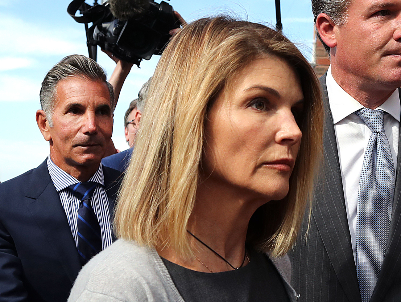Lori Loughlin completes sentence, released from prison