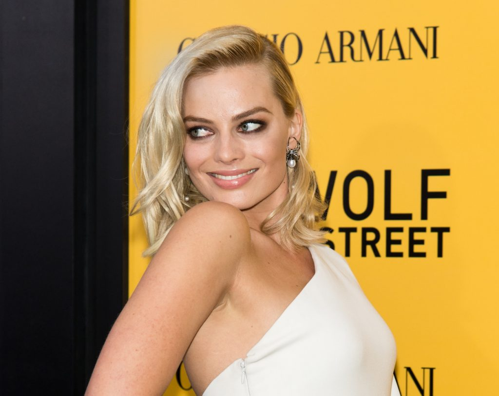 Margot Robbie attends the 'Wolf of Wall Street' premiere