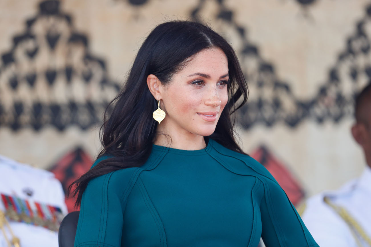 how to copy meghan markle s remembrance day 2020 look https www cheatsheet com entertainment how to copy meghan markles remembrance day 2020 look html