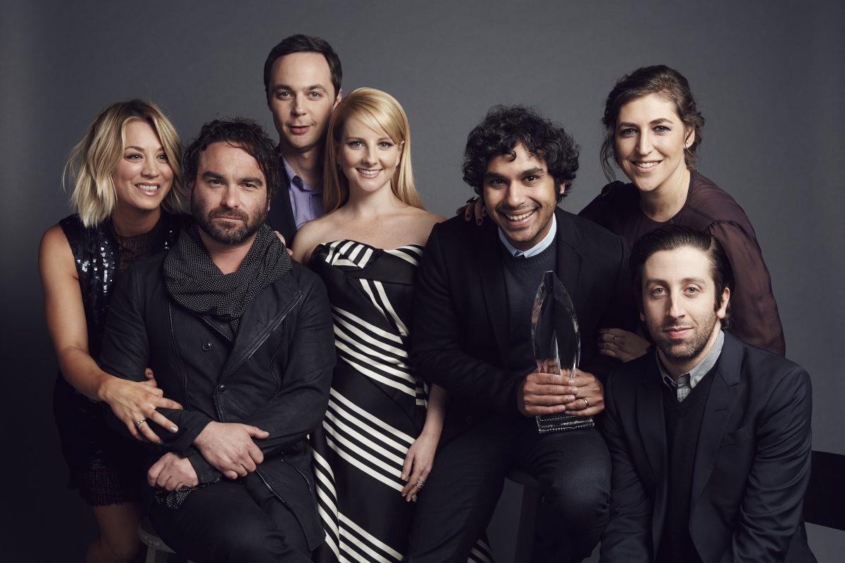 Kaley Cuoco, Johnny Galecki, Jim Parsons, Melissa Rauch, Kunal Nayyapose, Mayim Bialik and Simon Helberg pose for a portrait at the 2016 People's Choice Awards at the Microsoft Theater
