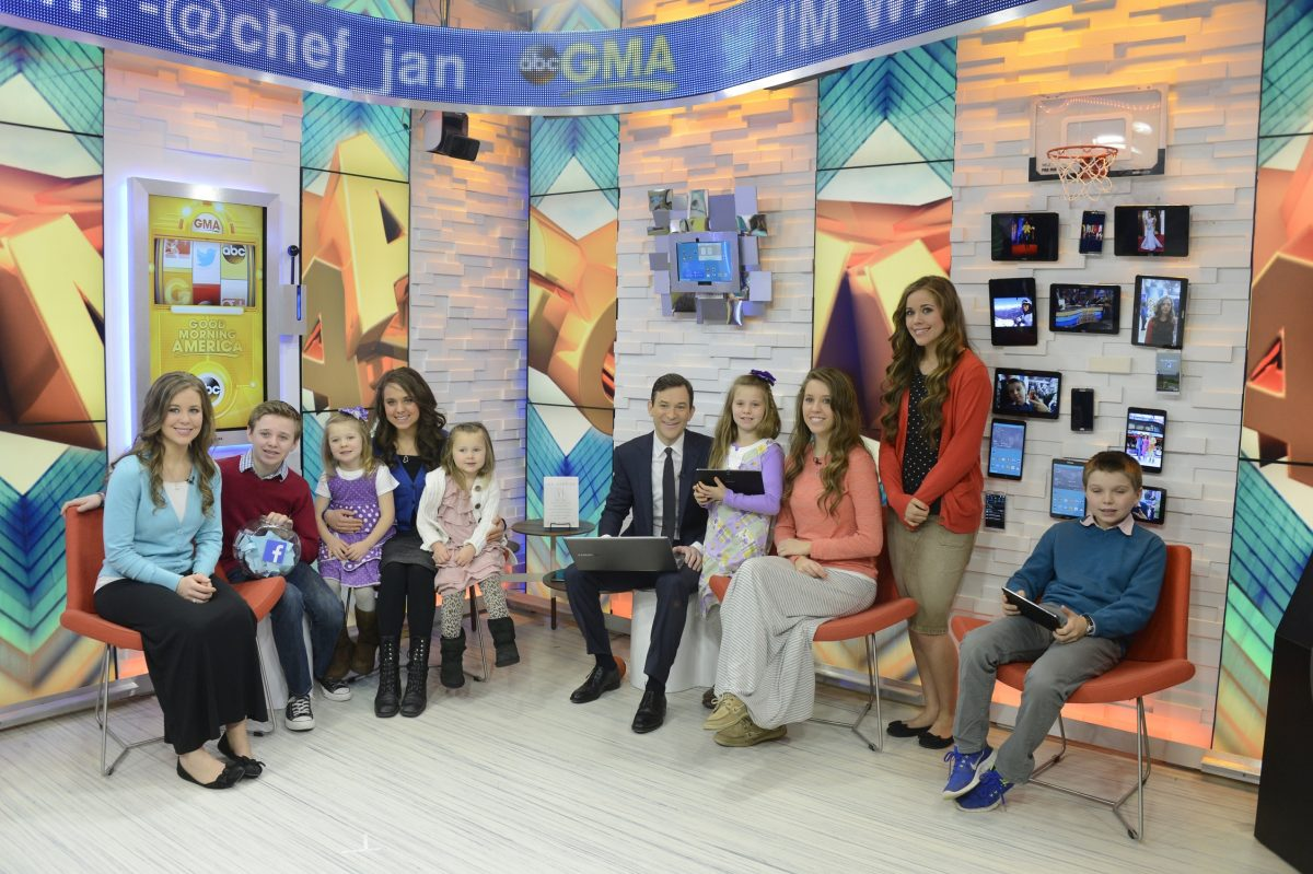 The Duggar family appears on 'Good Morning America' in 2014