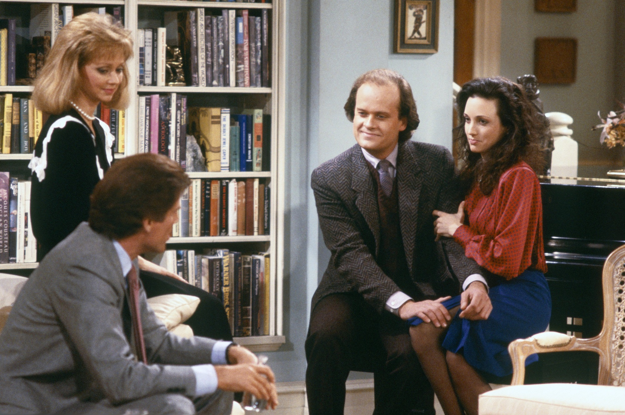 Shelley Long, Ted Danson, Kelsey Grammer, and Bebe Neuwirth of Cheers