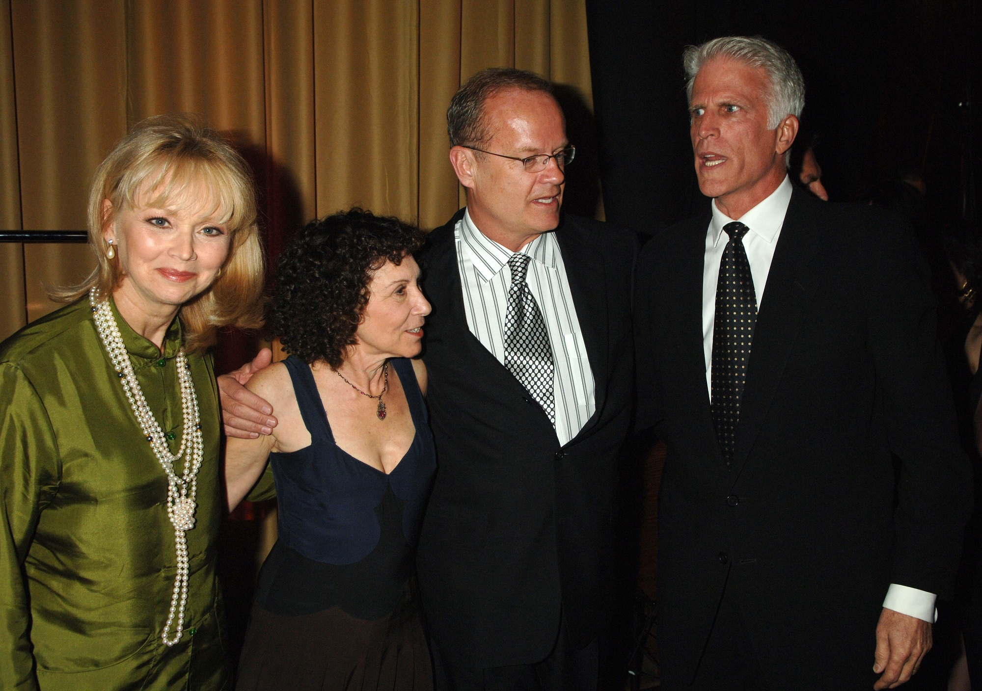 Shelley Long, Rhea Perlman, Kelsey Grammer. and Ted Danson of Cheers