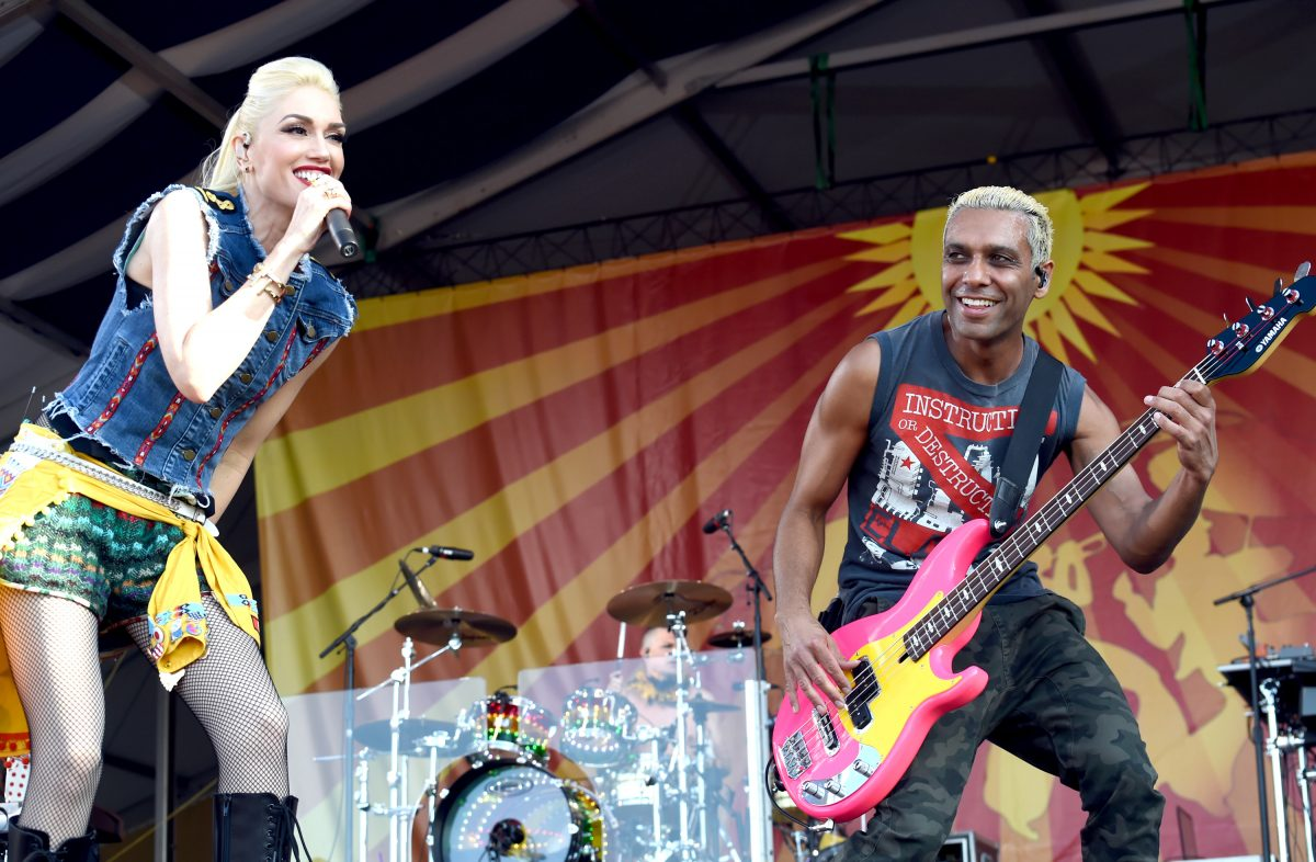 Gwen Stefani and Tony Kanal perform with No Doubt