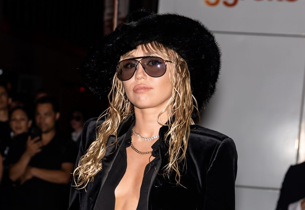 Miley Cyrus in a hat