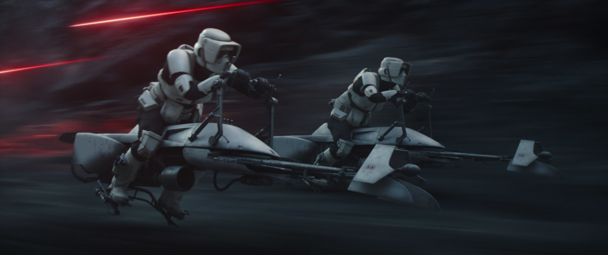 Stormtroopers race after Mando in 'The Mandalorian' Season 2