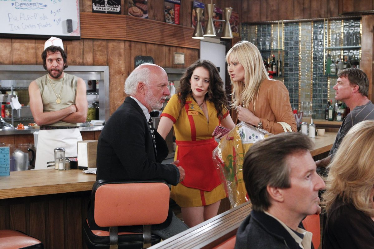 James Burrows with Kat Dennings and Beth Behrs during the taping of '2 Broke Girls'