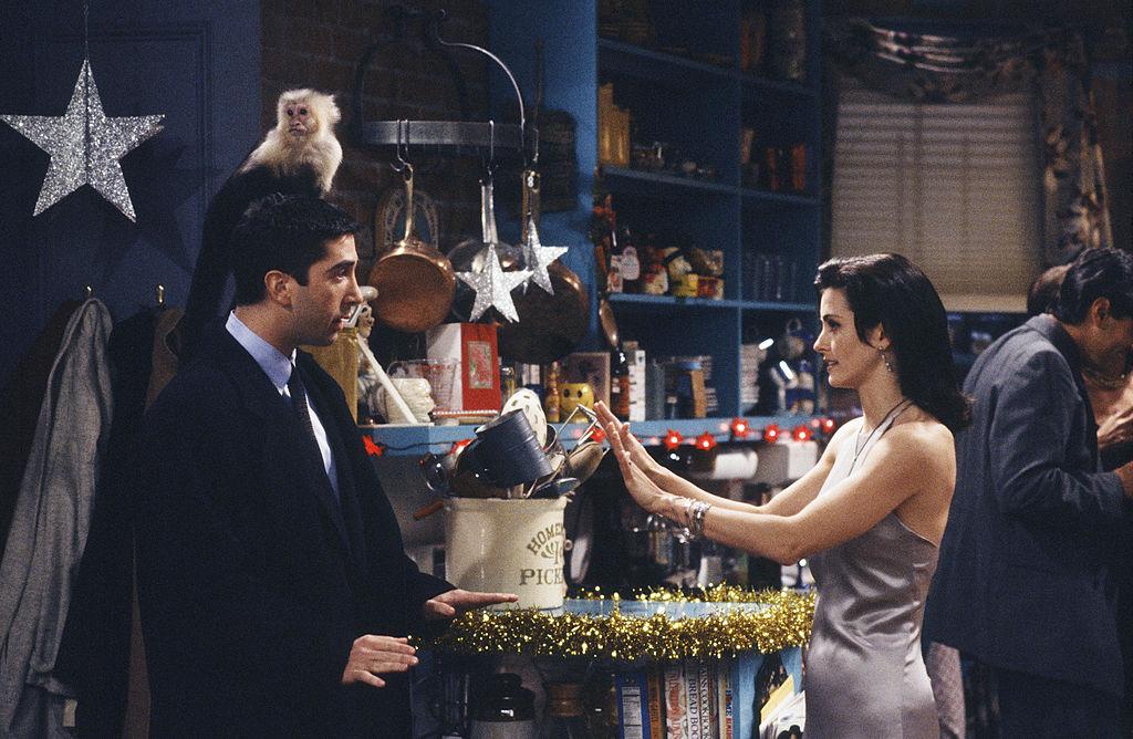 Friends cast in season 1 episode 10