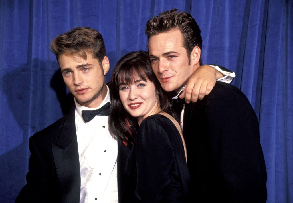 (L - R): Jason Priestley, Shannen Doherty, and Luke Perry of 'Beverly Hills, 90210'
