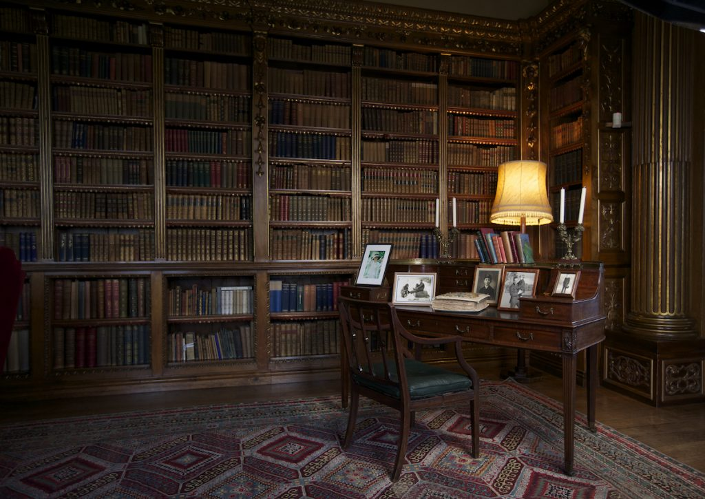 The Earl's desk is displayed in the library in Highclere Castle on March 15, 2011 in Newbury, England | Matthew Lloyd/Getty Images