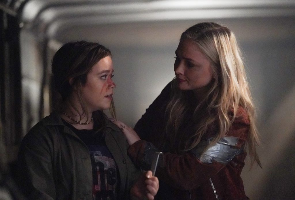 Jade Pettyjohn and Natalie Alyn Lind in 'Big Sky'